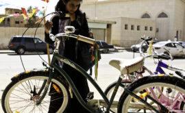 La bicicleta verde (Haifa Al-Monsour, 2012)