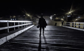 """Entrevista a Kiro Russo, director de """"Viejo calavera"""""""