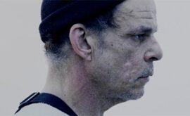 "Crítica de ""Gray House"" de Austin Lynch: ""Réquiem por un sueño"""