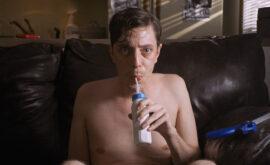 """Crítica de """"Relaxer"""" de Joel Potrykus: La quimera del """"glitch"""""""