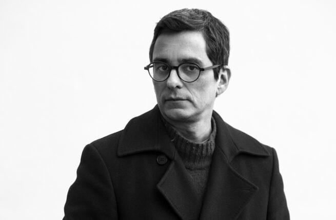 "Podcast: Entrevista a Andrés Duque, director de ""Carelia: Internacional con monumento"""