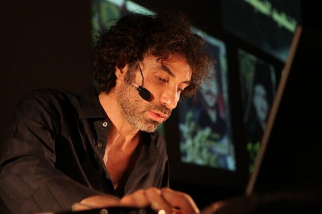 El artista interdisciplinar libanés Rabih Mroué, invitado a Punto de Vista 2020